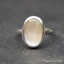 Mother of Pearl Ring R162