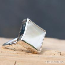 Mother of Pearl Ring R198