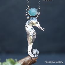 Seahorse with Amazonite N136