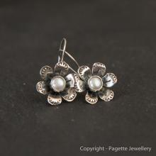 Flower Pearl Earrings E112