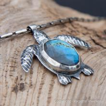 Turtle Pendant N108